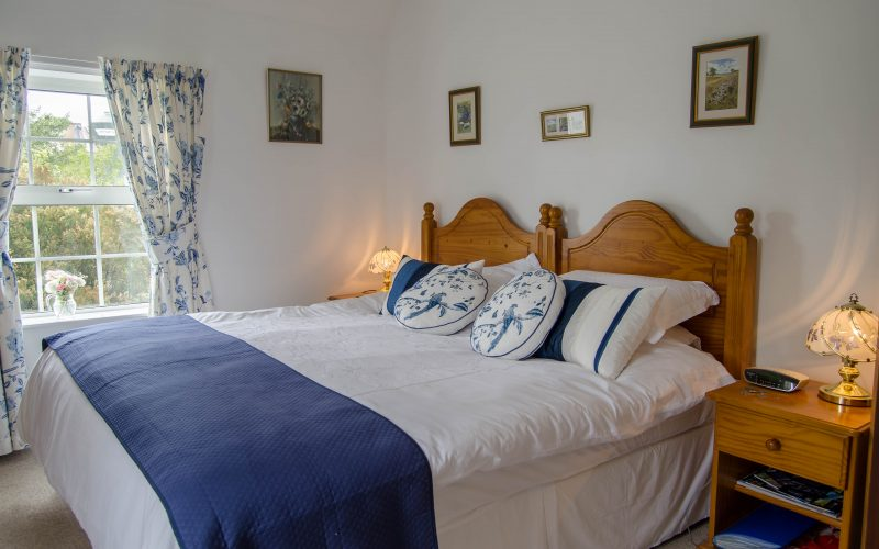 Higher Woodley-Blue-Room1